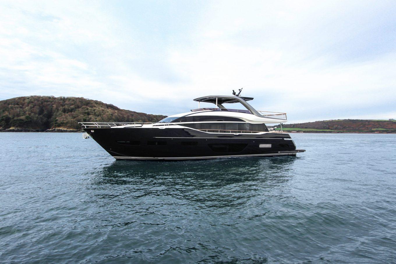 Ecco a voi la new entry della gamma Flybridge Motor Yacht: Y85